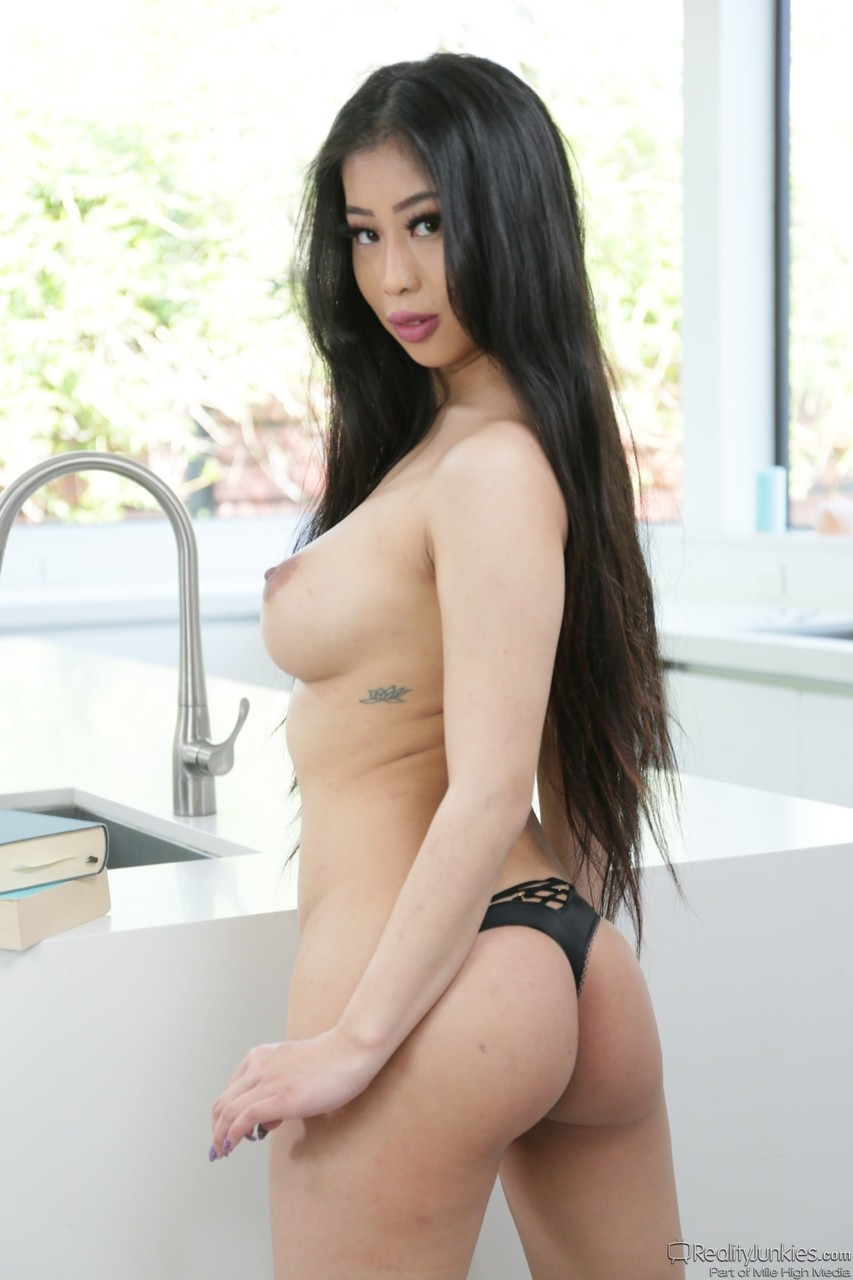 Asian porn. Gallery - 1194. Photo - 11