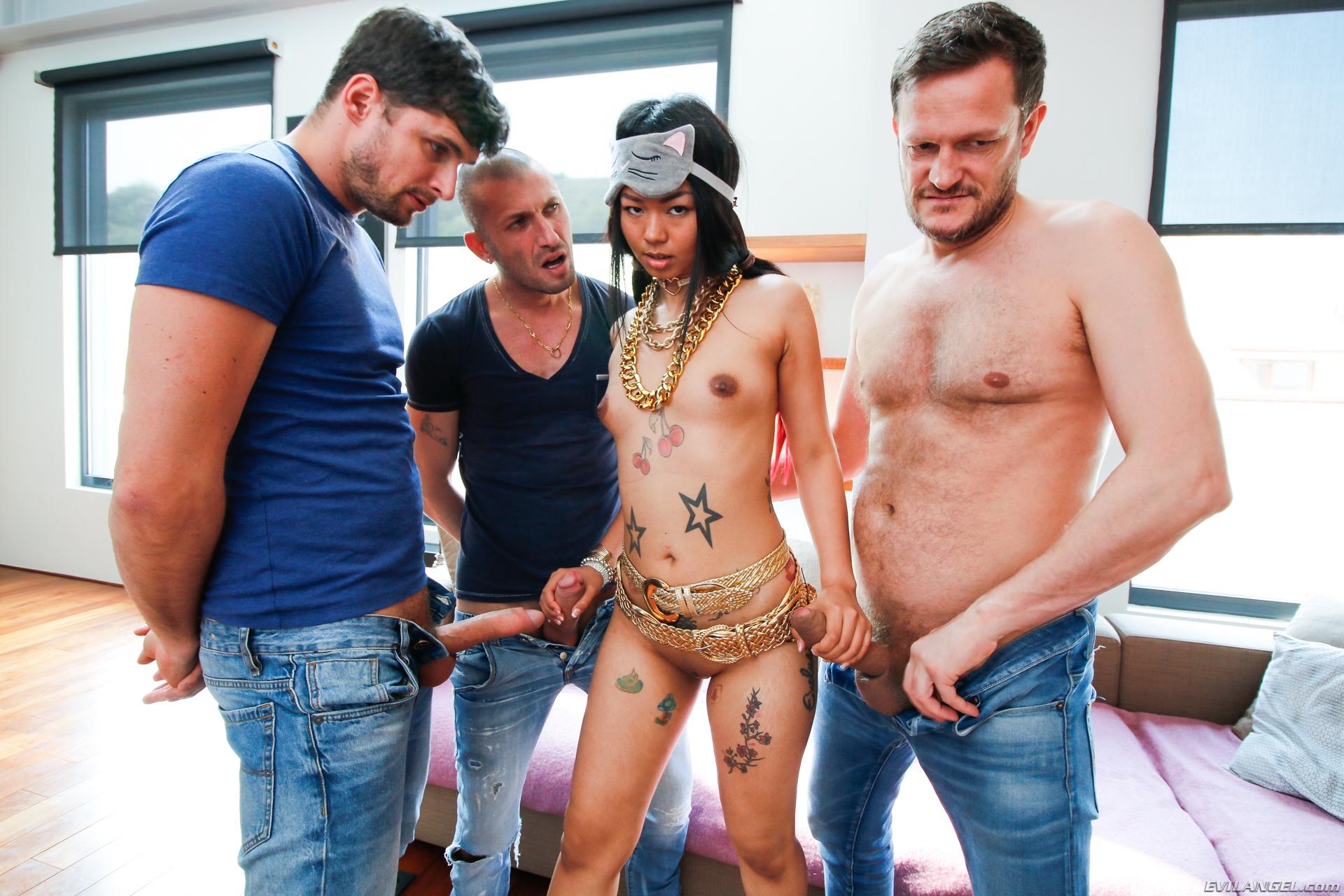 Asiatinnen Pornos. Galerie - 1313. Foto - 6