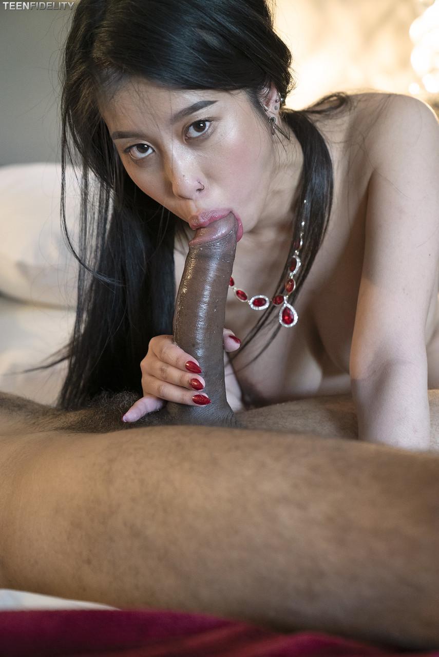 Asiatinnen Pornos. Galerie - 1406. Foto - 18