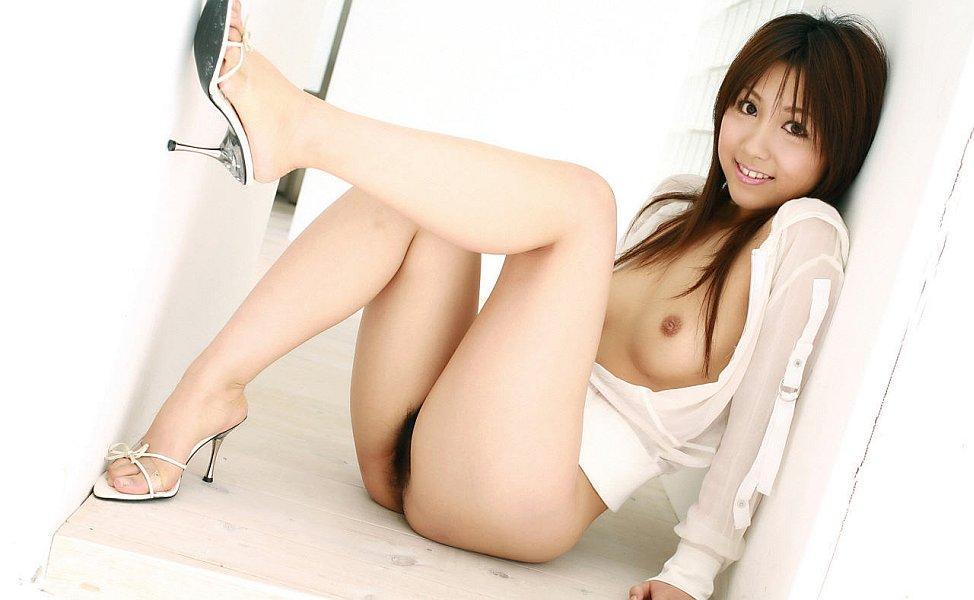 Мохнатые чресла молодой японки. Фото - 10