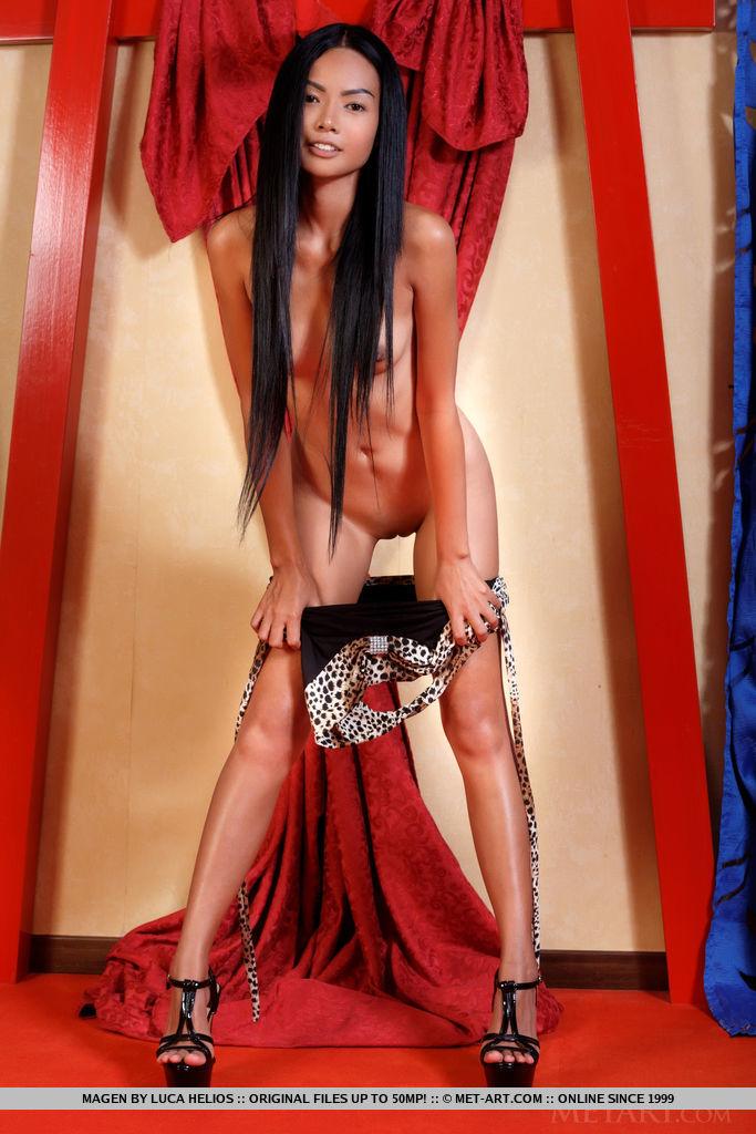Сексуальная крошка 18+ из Азии. Фото - 6