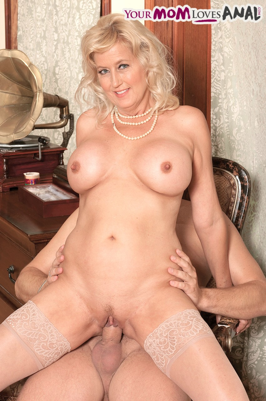 Mature women and grannies. Gallery - 1121. Photo - 11