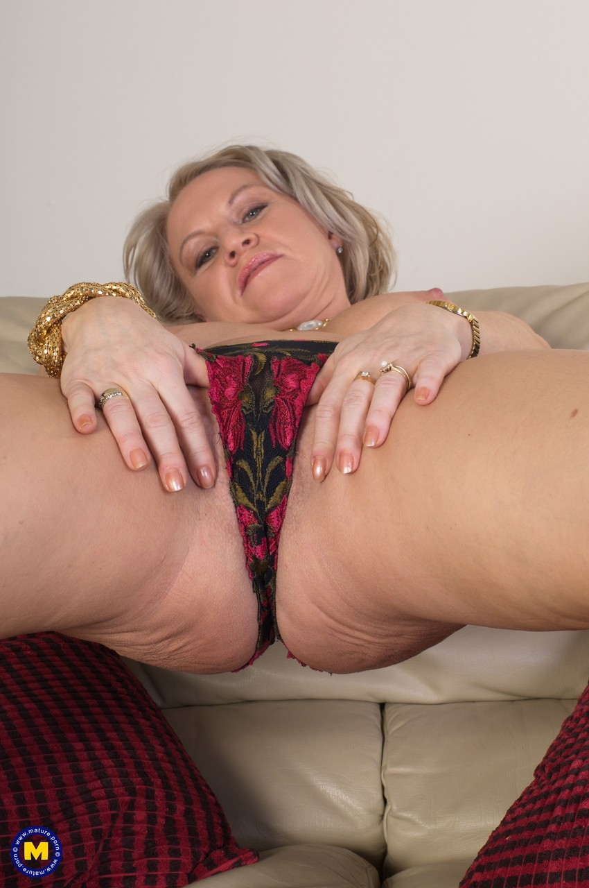 Mature women and grannies. Gallery - 1131. Photo - 10