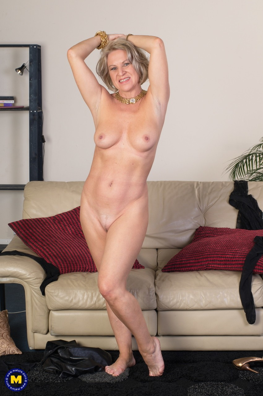 Mature women and grannies. Gallery - 1131. Photo - 11