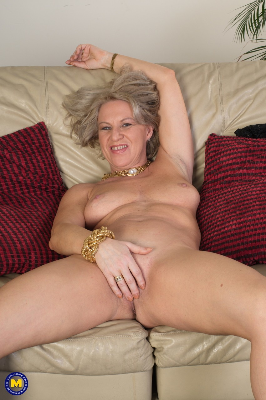 Mature women and grannies. Gallery - 1131. Photo - 12