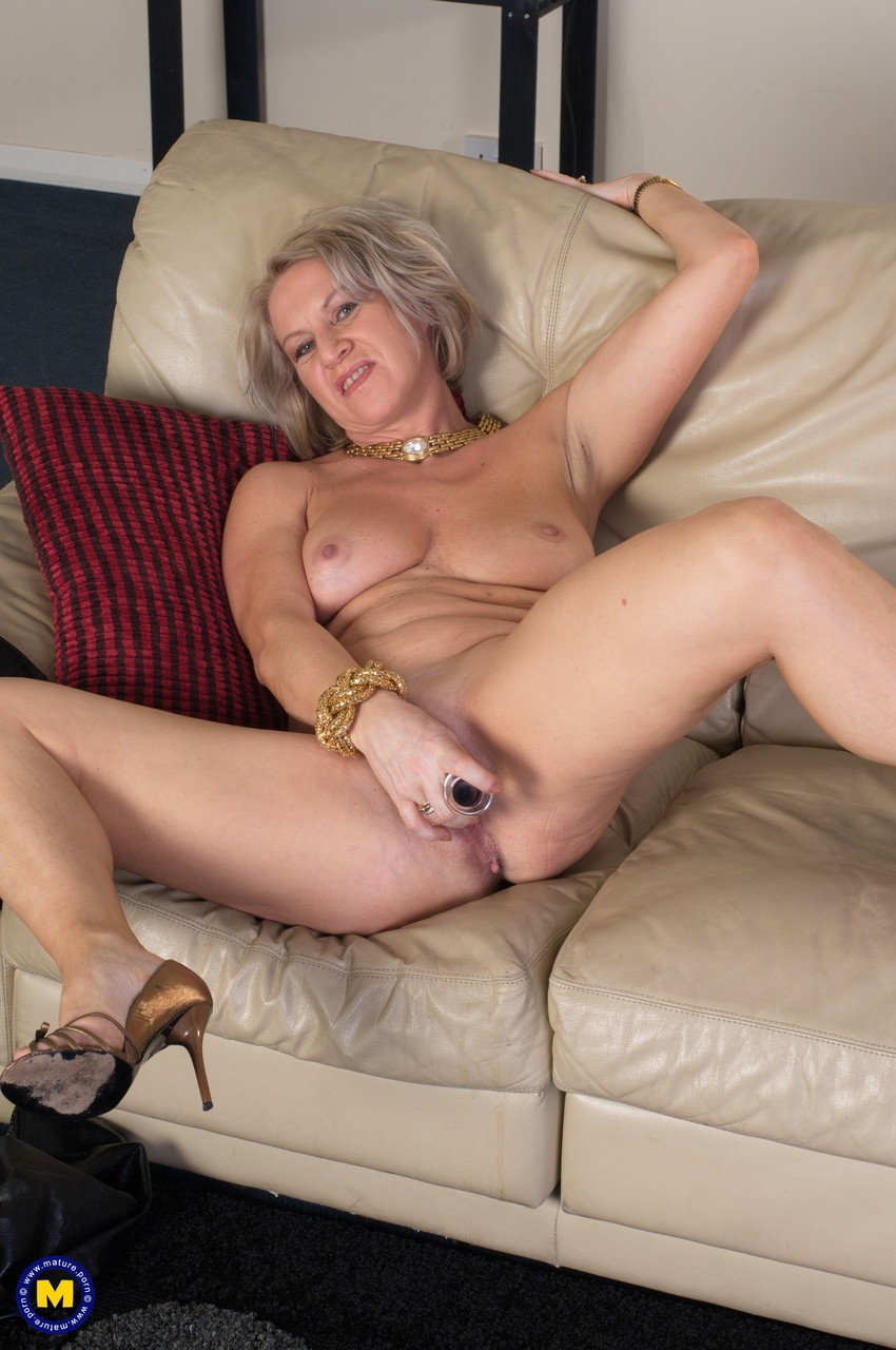 Mature women and grannies. Gallery - 1131. Photo - 14