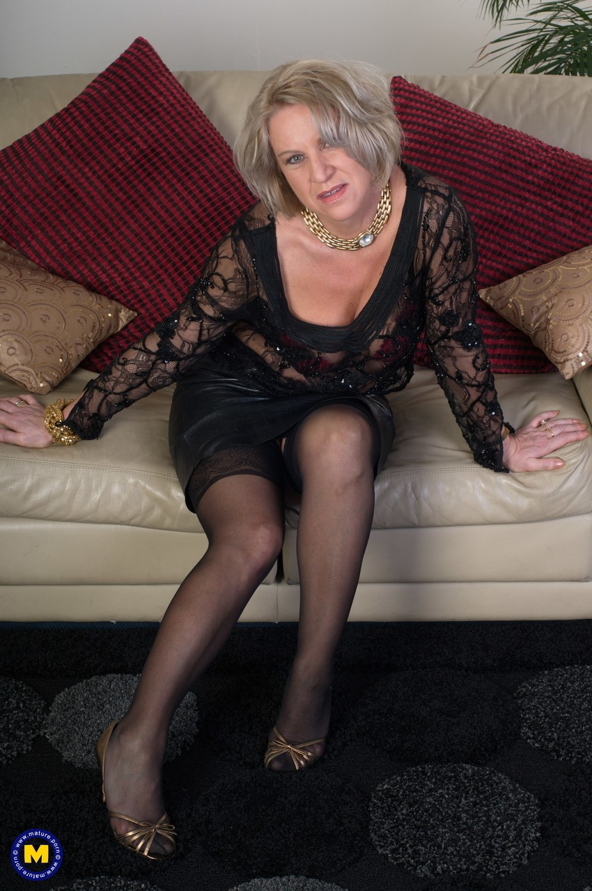 Mature women and grannies. Gallery - 1131. Photo - 2