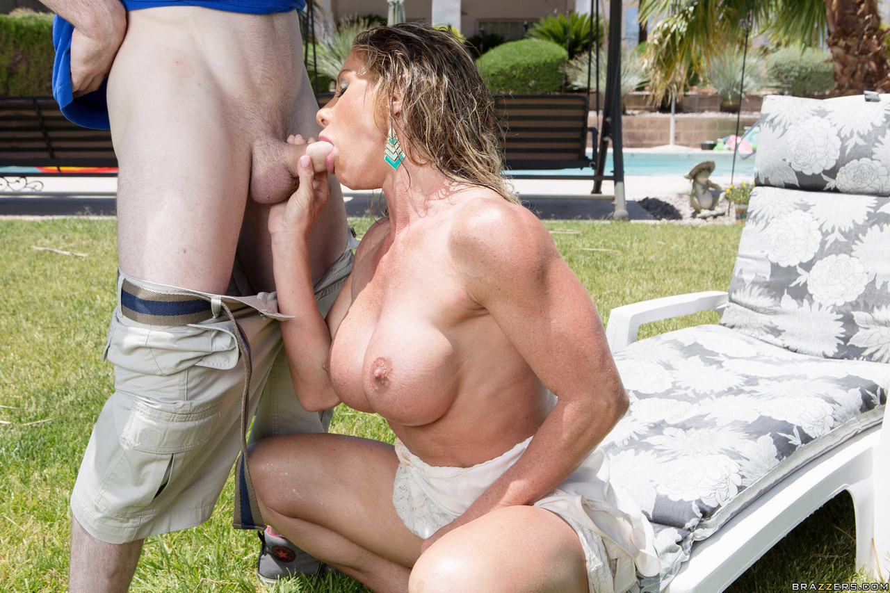 Mature women and grannies. Gallery - 1144. Photo - 7