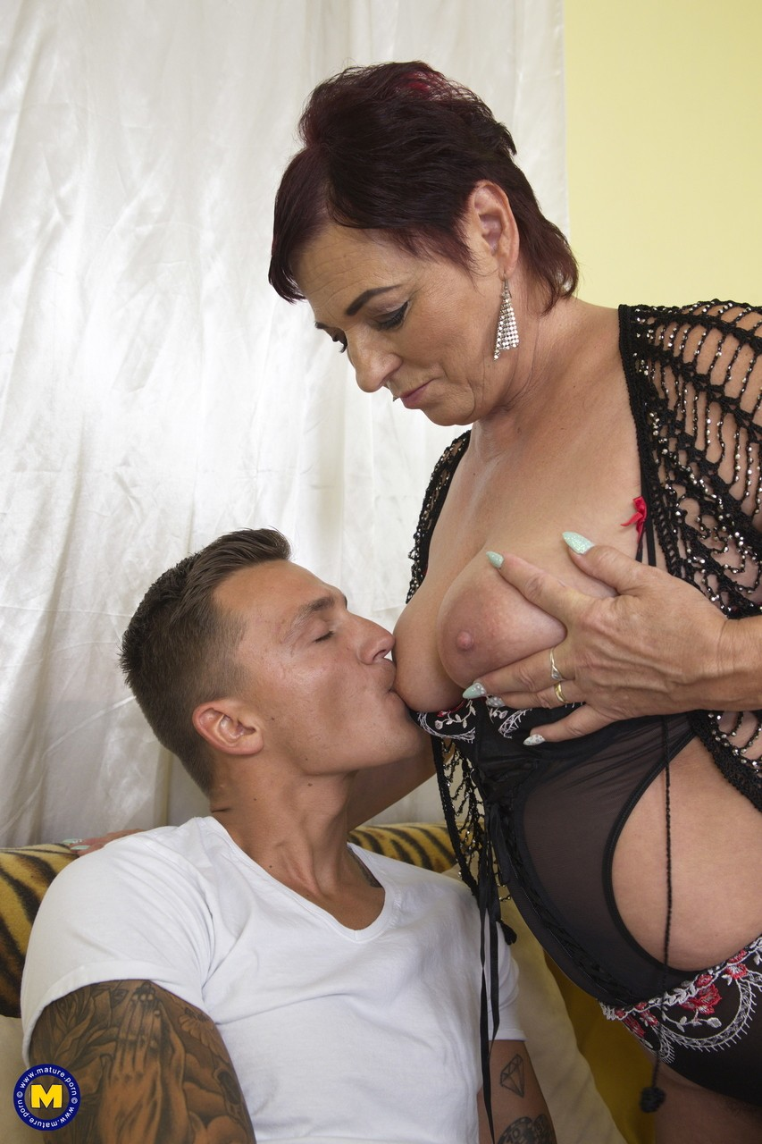 Mature women and grannies. Gallery - 1151. Photo - 6