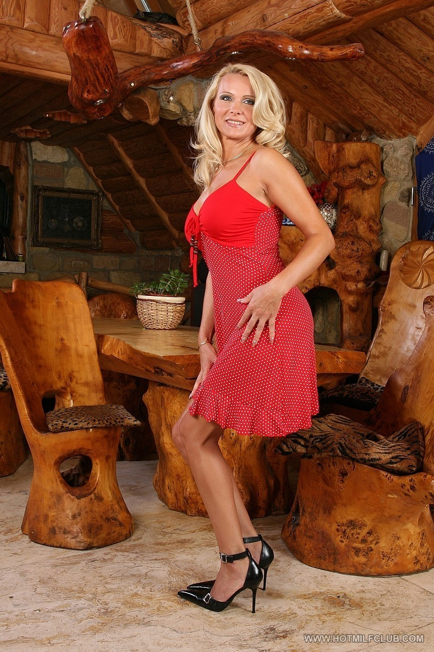 Mature women and grannies. Gallery - 1152. Photo - 1