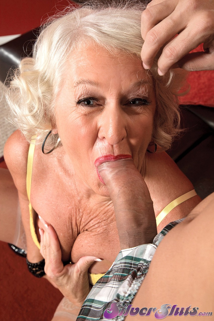 Mature women and grannies. Gallery - 1153. Photo - 4