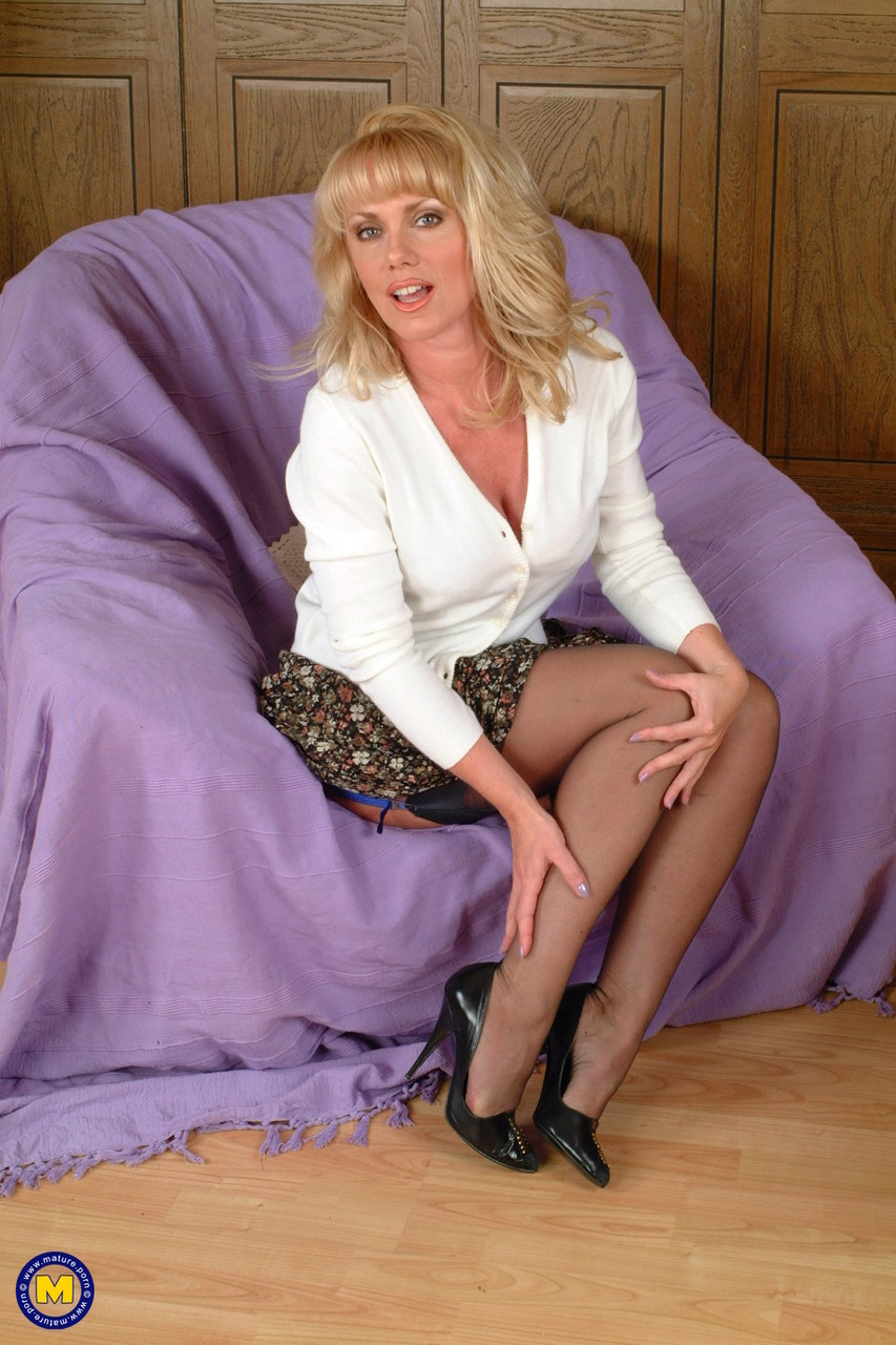Mature women and grannies. Gallery - 1154. Photo - 1
