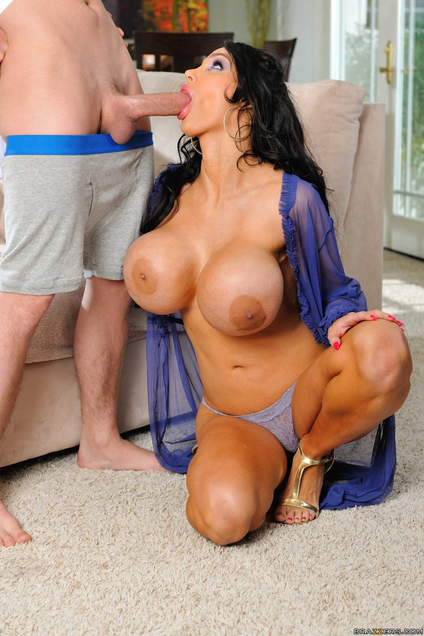 Mature women and grannies. Gallery - 1156. Photo - 12