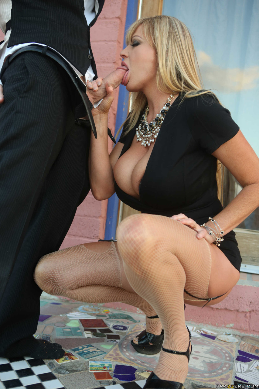 Mature women and grannies. Gallery - 1157. Photo - 6