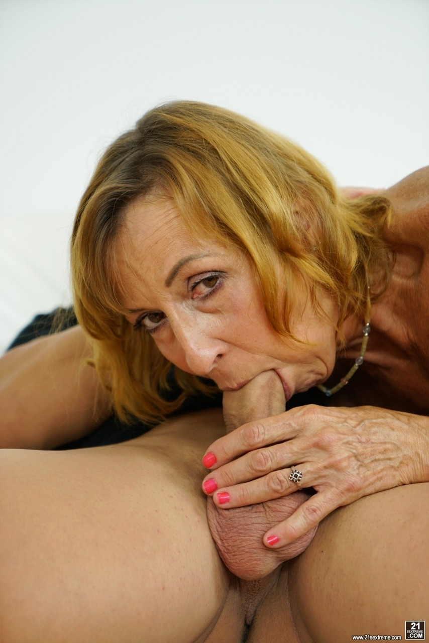 Mature women and grannies. Gallery - 1178. Photo - 5