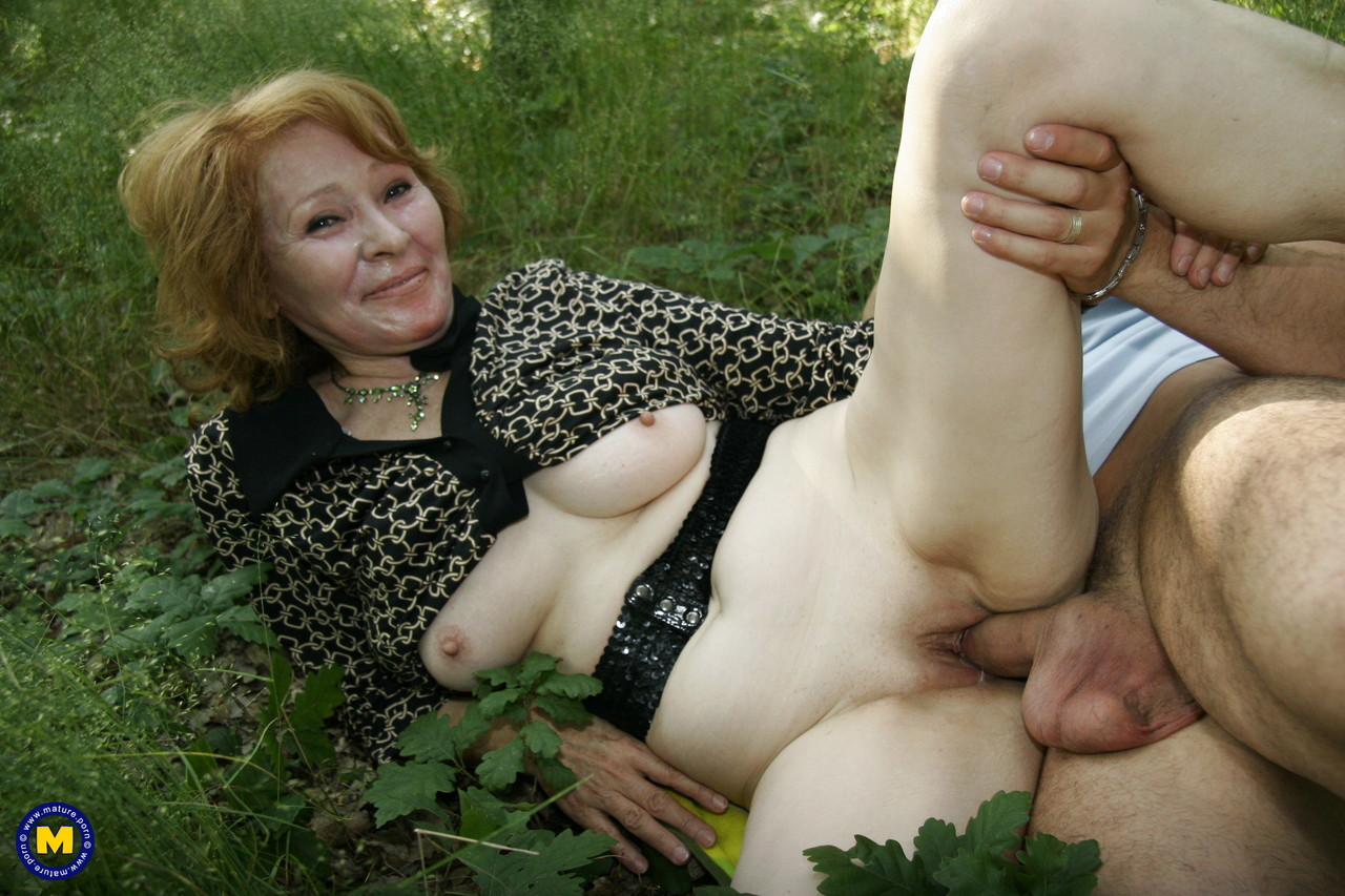 Mature women and grannies. Gallery - 1181. Photo - 14