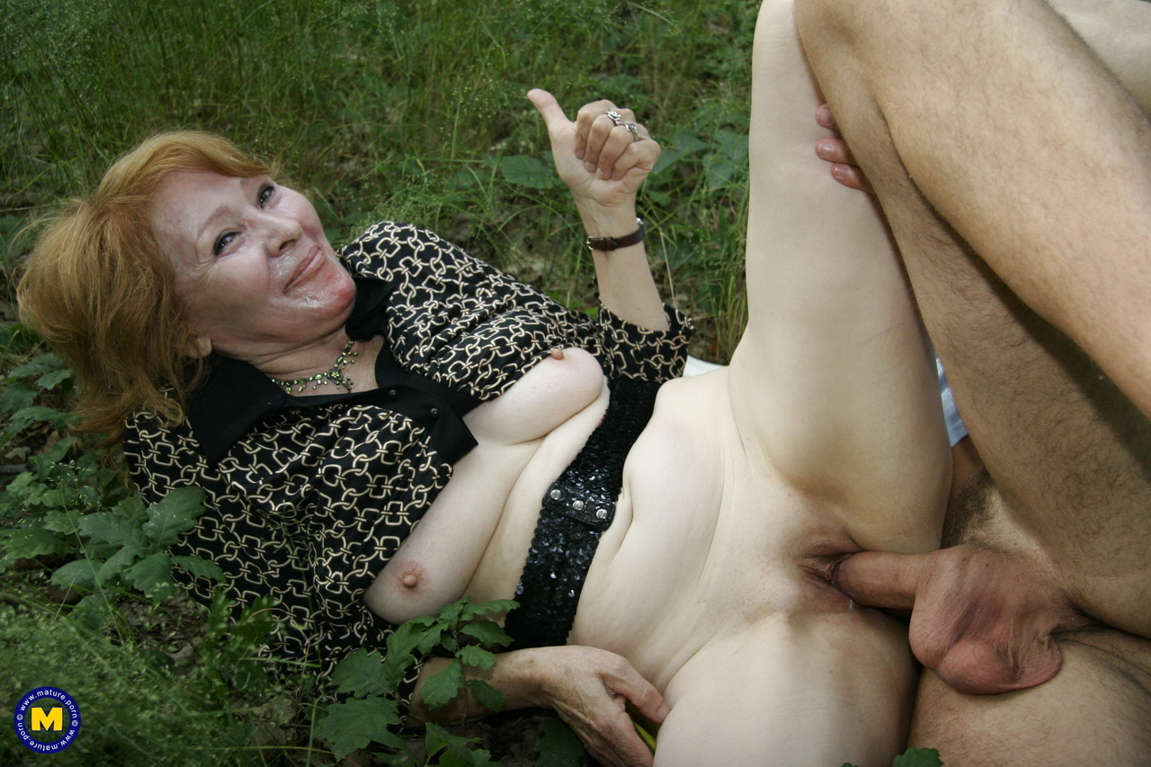 Mature women and grannies. Gallery - 1181. Photo - 15