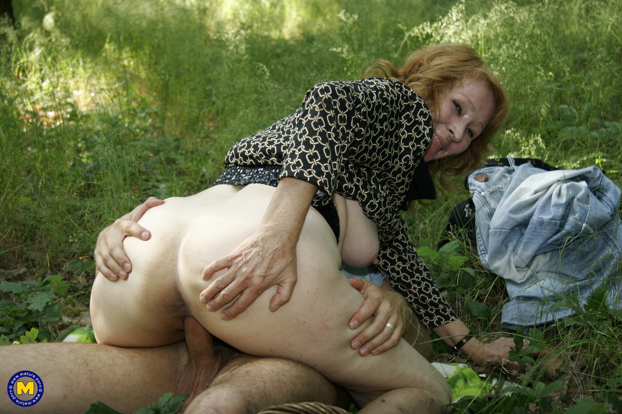 Mature women and grannies. Gallery - 1181. Photo - 16
