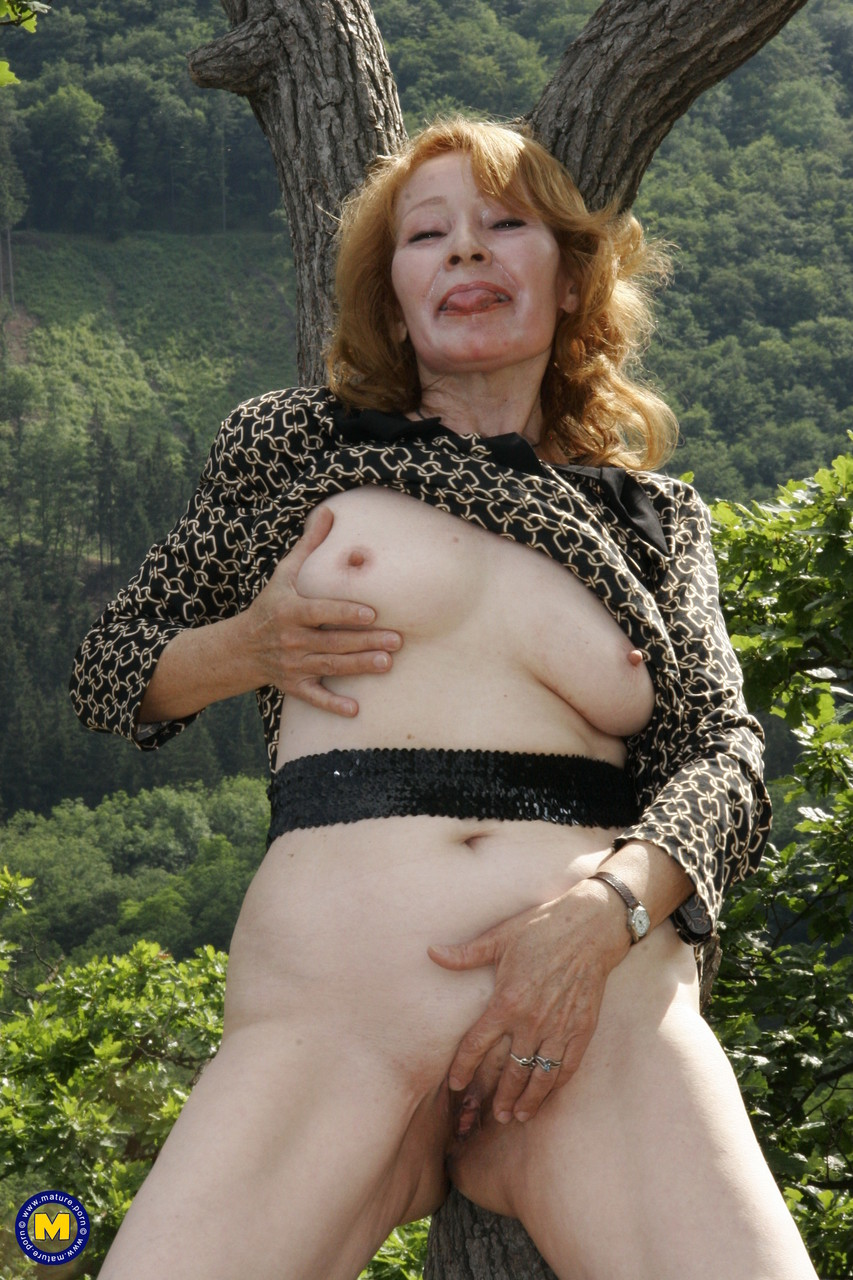 Mature women and grannies. Gallery - 1181. Photo - 4