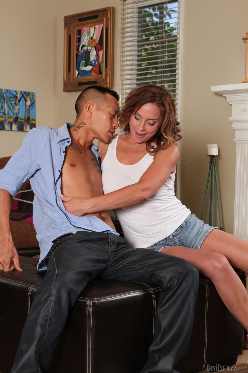 Mature women and grannies. Gallery - 1191. Photo - 7