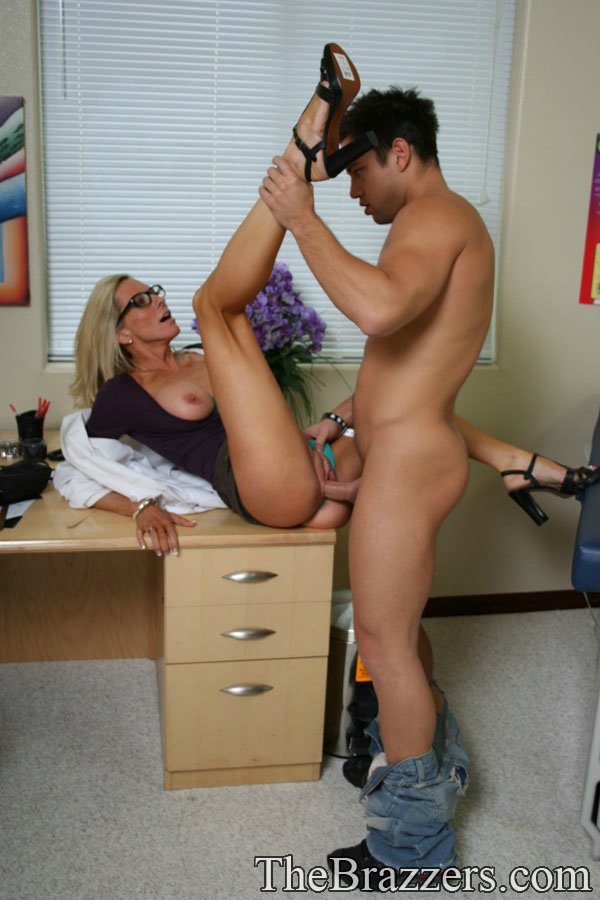 Mature women and grannies. Gallery - 1217. Photo - 10