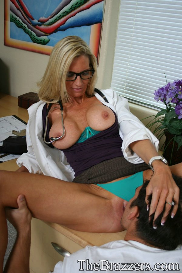 Mature women and grannies. Gallery - 1217. Photo - 9