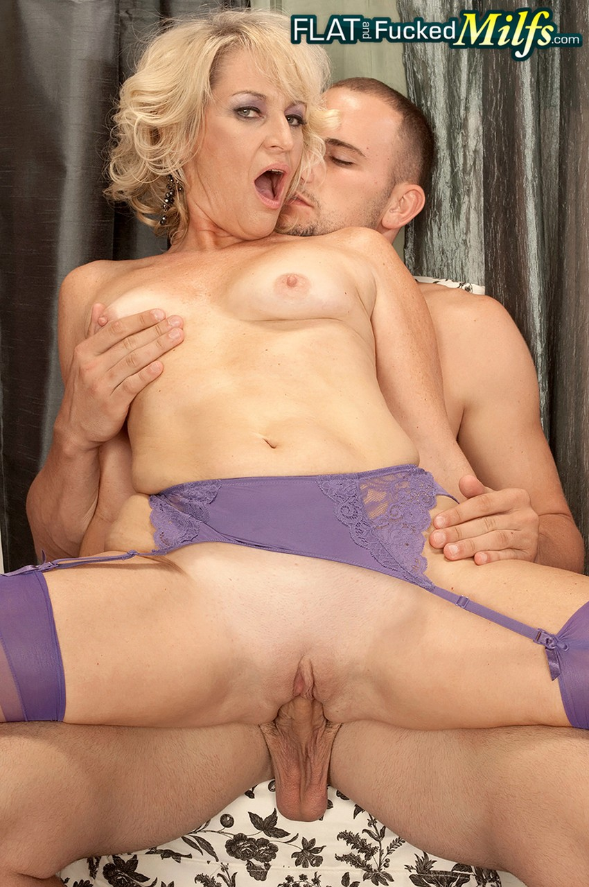 Mature women and grannies. Gallery - 1218. Photo - 10