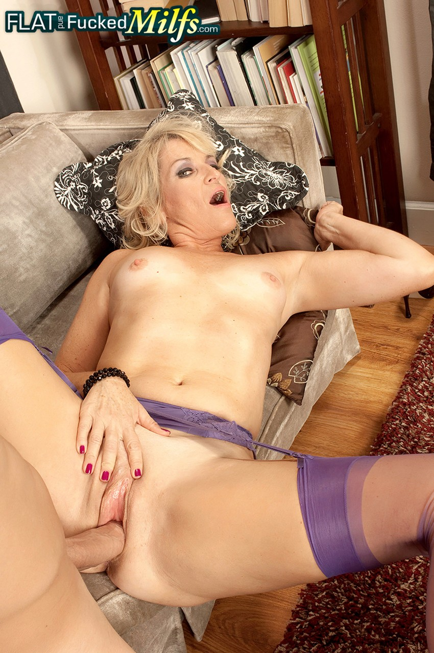 Mature women and grannies. Gallery - 1218. Photo - 11