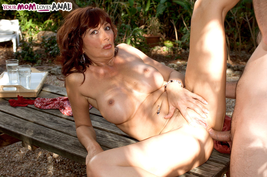 Mature women and grannies. Gallery - 1220. Photo - 14