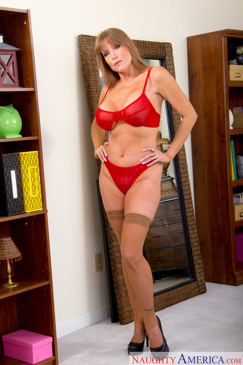 Mature women and grannies. Gallery - 1223. Photo - 1