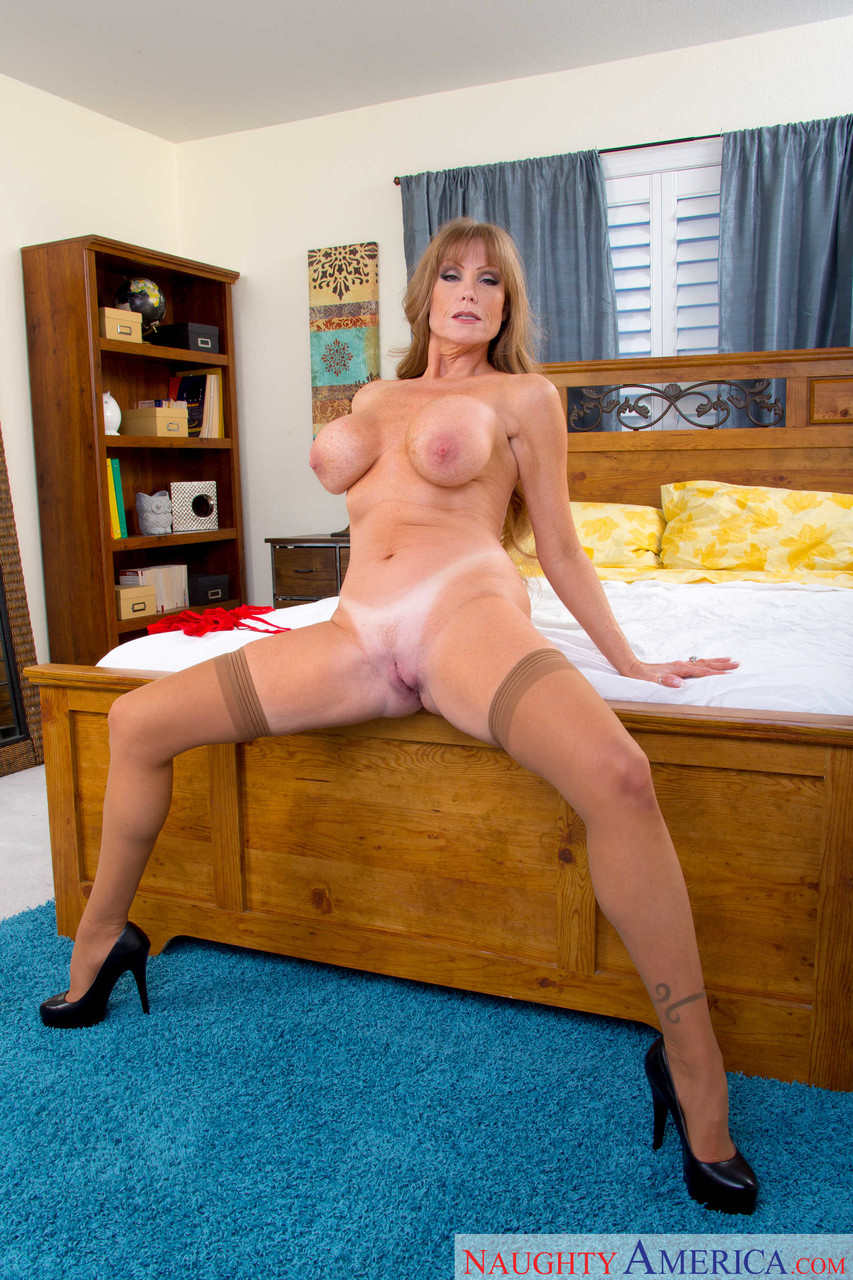 Mature women and grannies. Gallery - 1223. Photo - 14