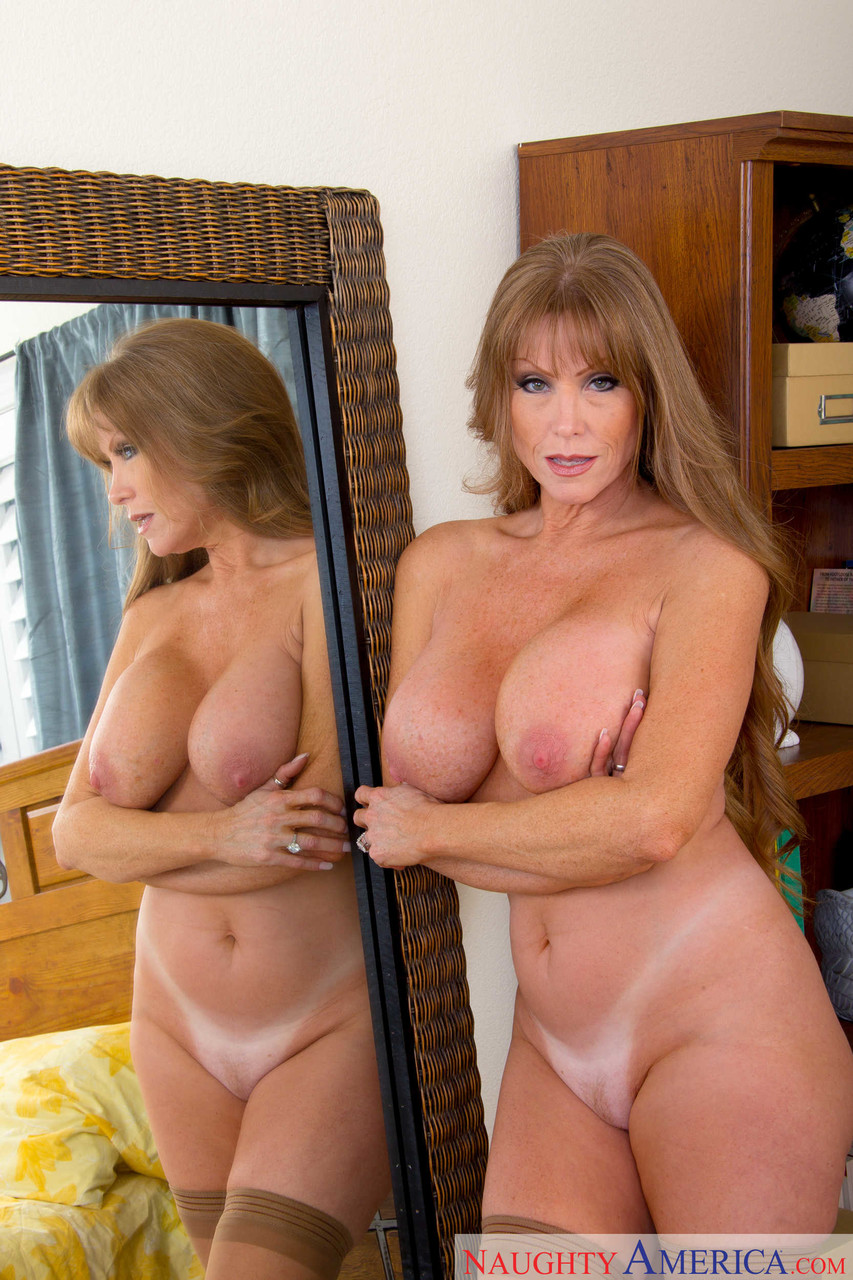 Mature women and grannies. Gallery - 1223. Photo - 19