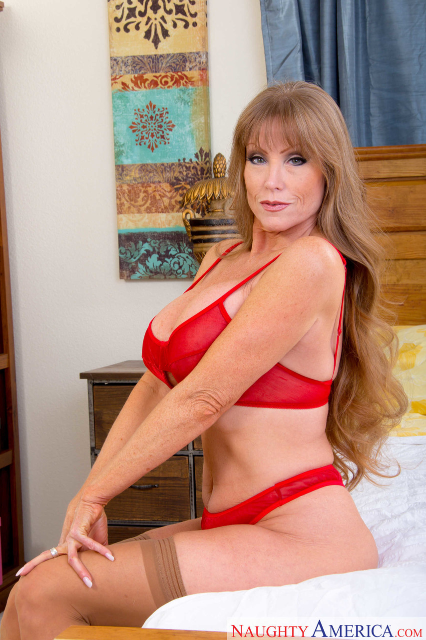 Mature women and grannies. Gallery - 1223. Photo - 3