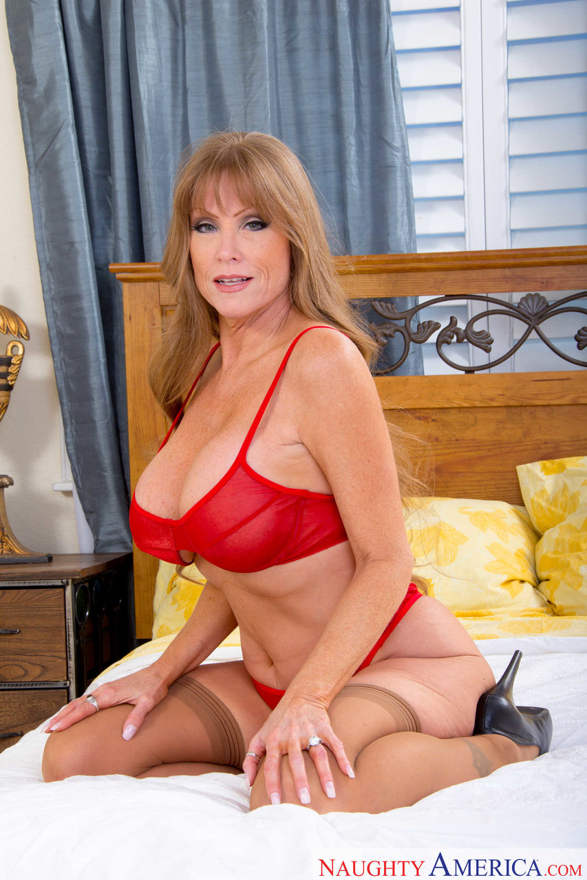 Mature women and grannies. Gallery - 1223. Photo - 4