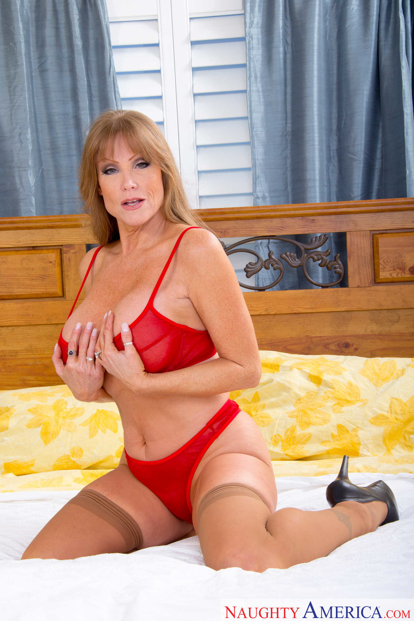 Mature women and grannies. Gallery - 1223. Photo - 5