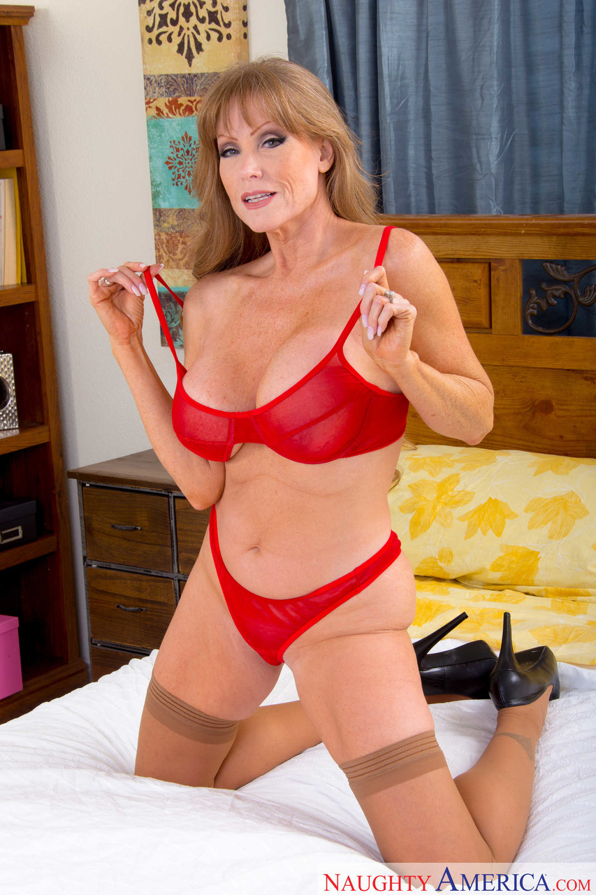 Mature women and grannies. Gallery - 1223. Photo - 7