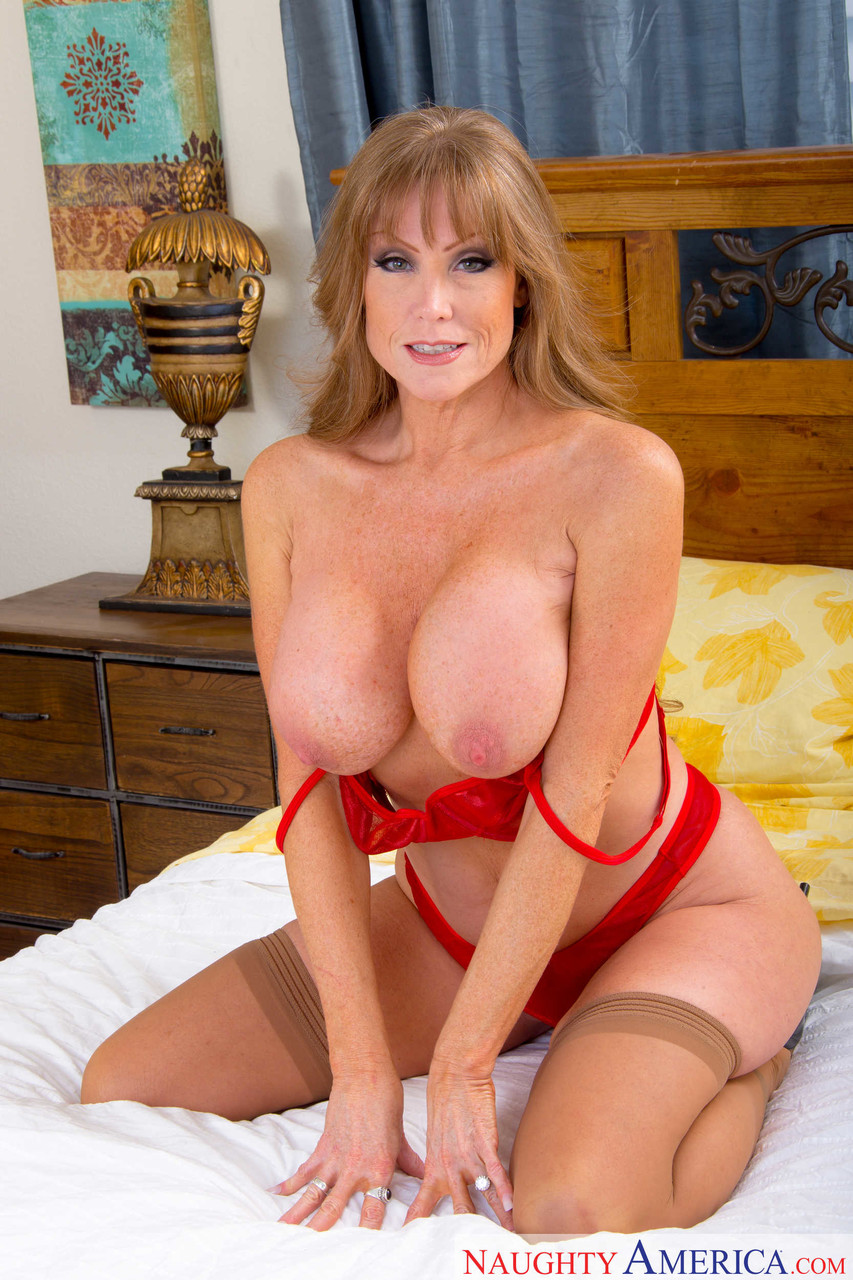 Mature women and grannies. Gallery - 1223. Photo - 8