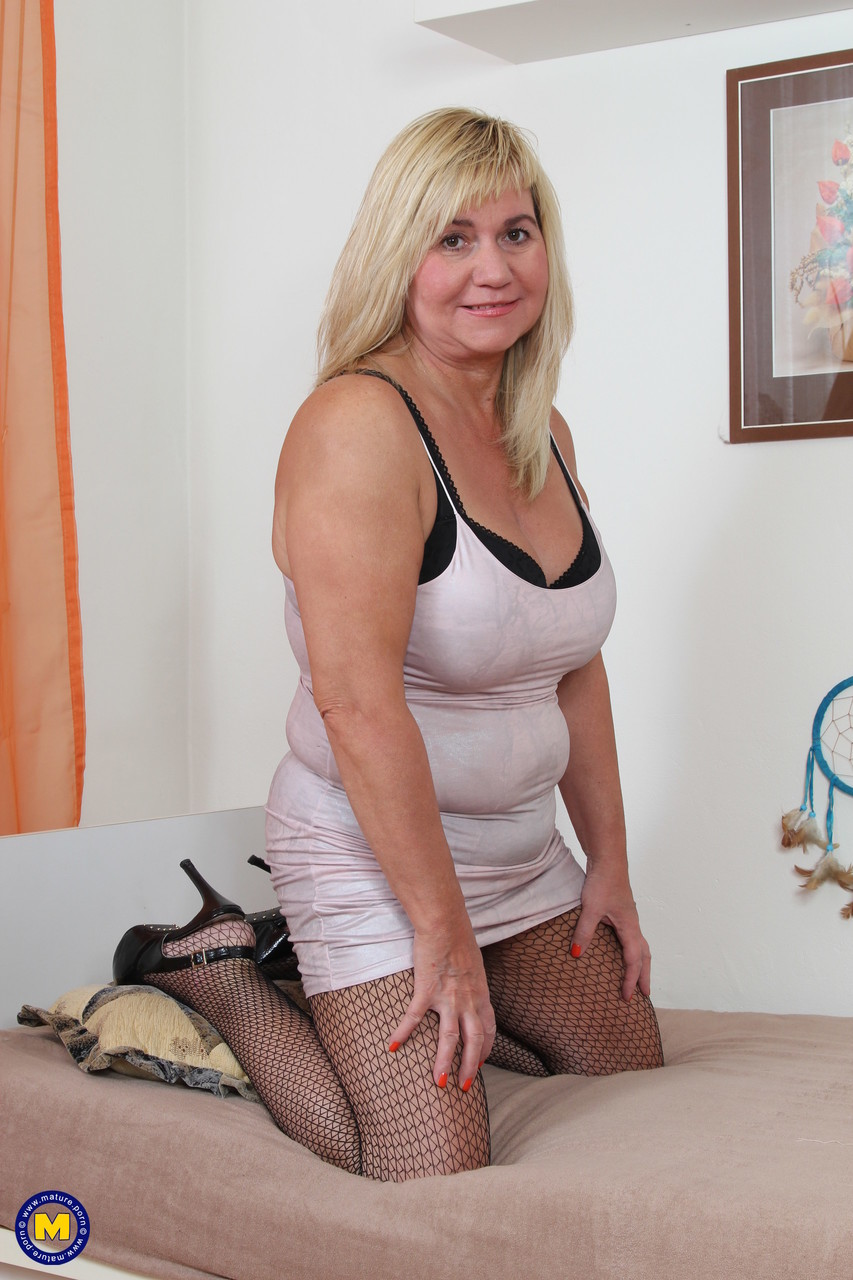 Mature women and grannies. Gallery - 1229. Photo - 2