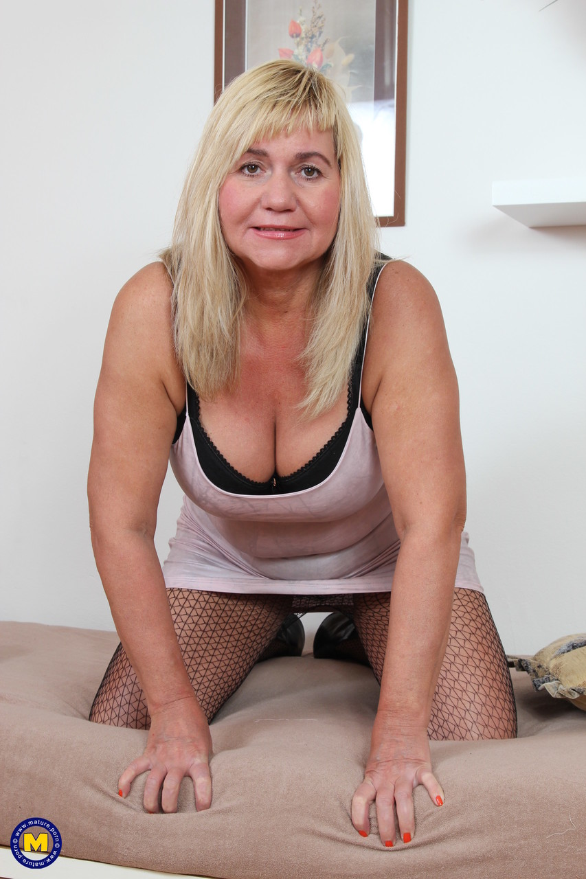 Mature women and grannies. Gallery - 1229. Photo - 3