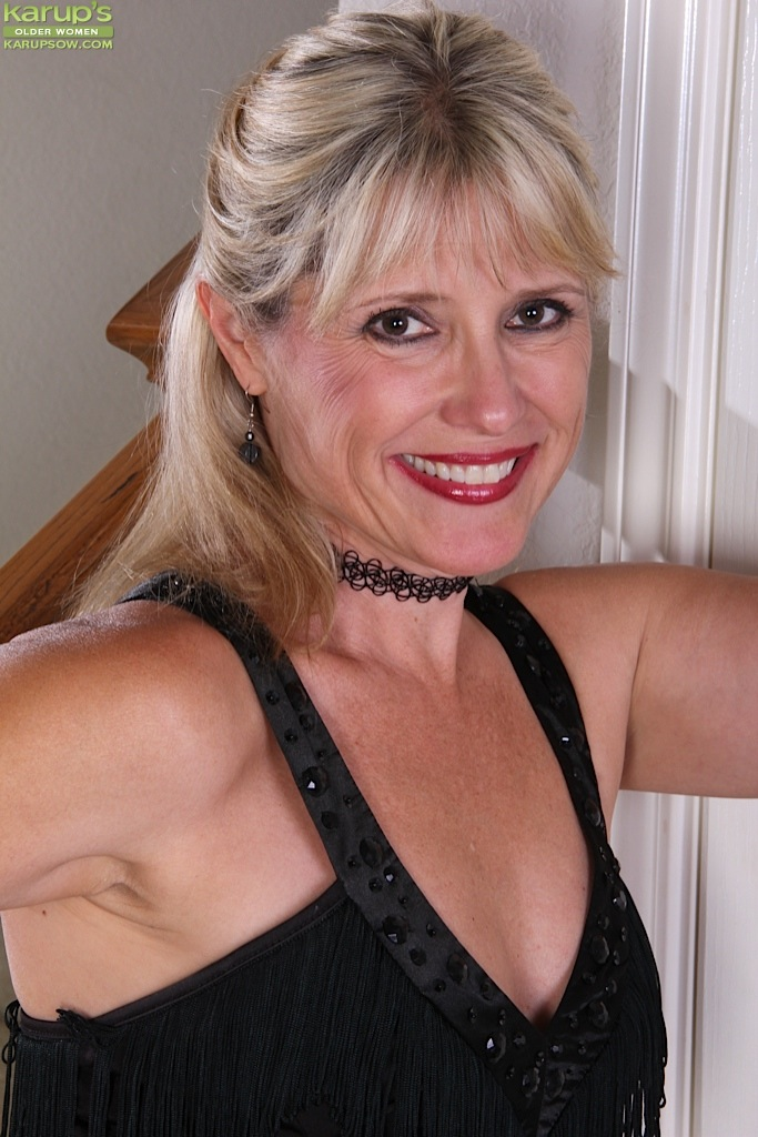 Mature women and grannies. Gallery - 1236. Photo - 1