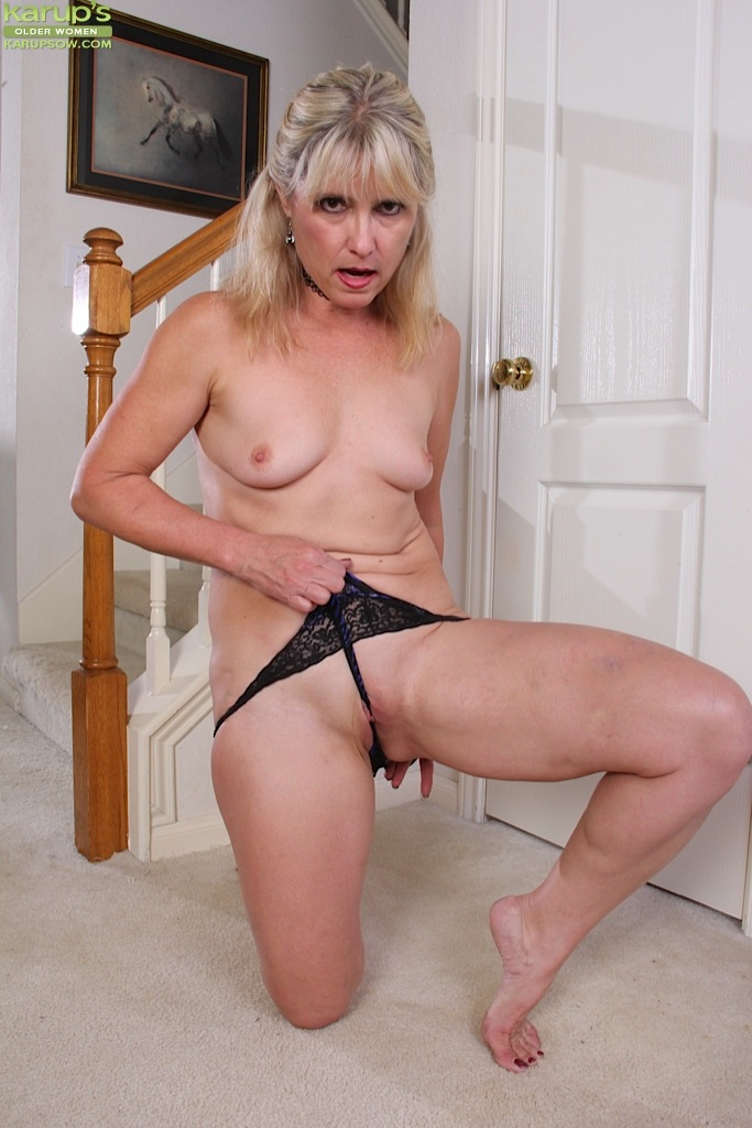 Mature women and grannies. Gallery - 1236. Photo - 10