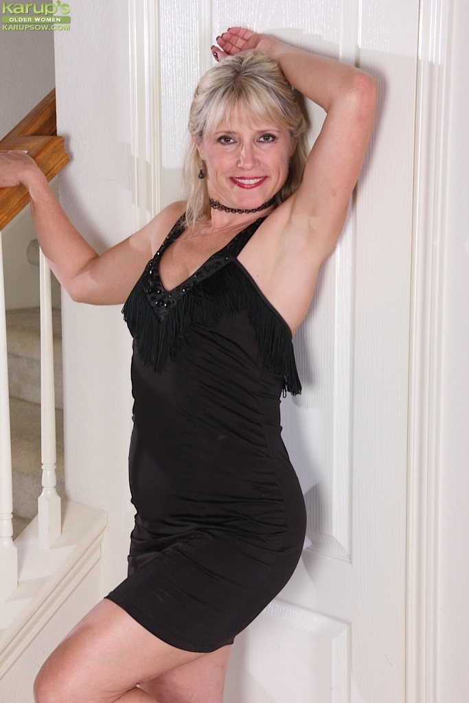 Mature women and grannies. Gallery - 1236. Photo - 2