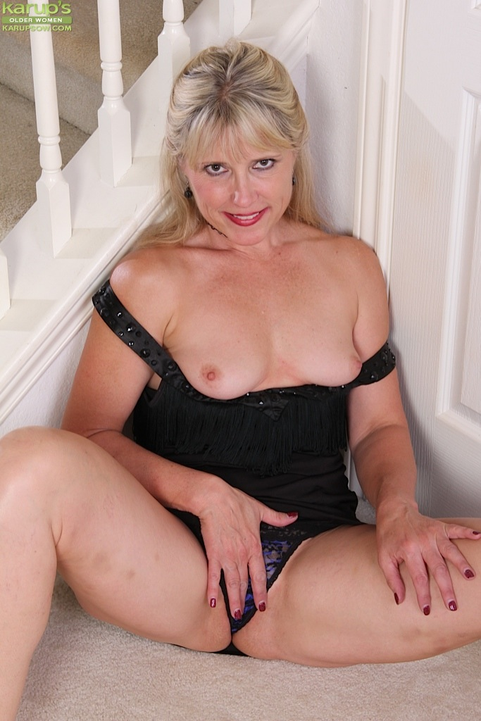 Mature women and grannies. Gallery - 1236. Photo - 5