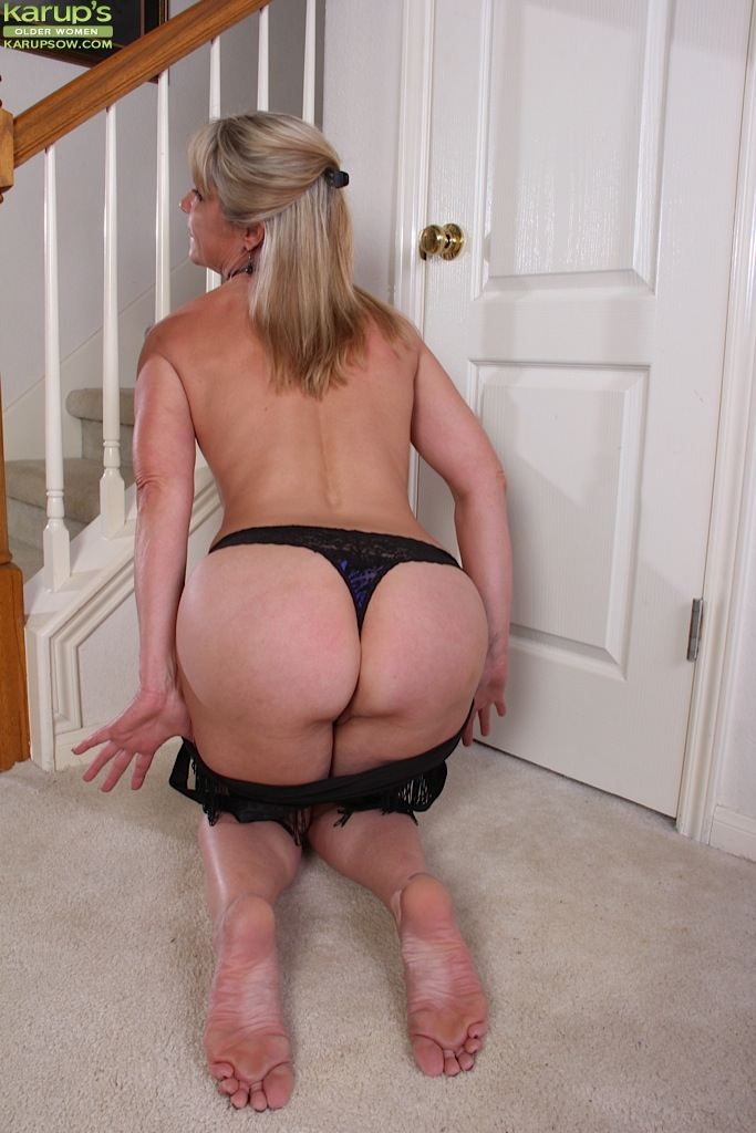 Mature women and grannies. Gallery - 1236. Photo - 7