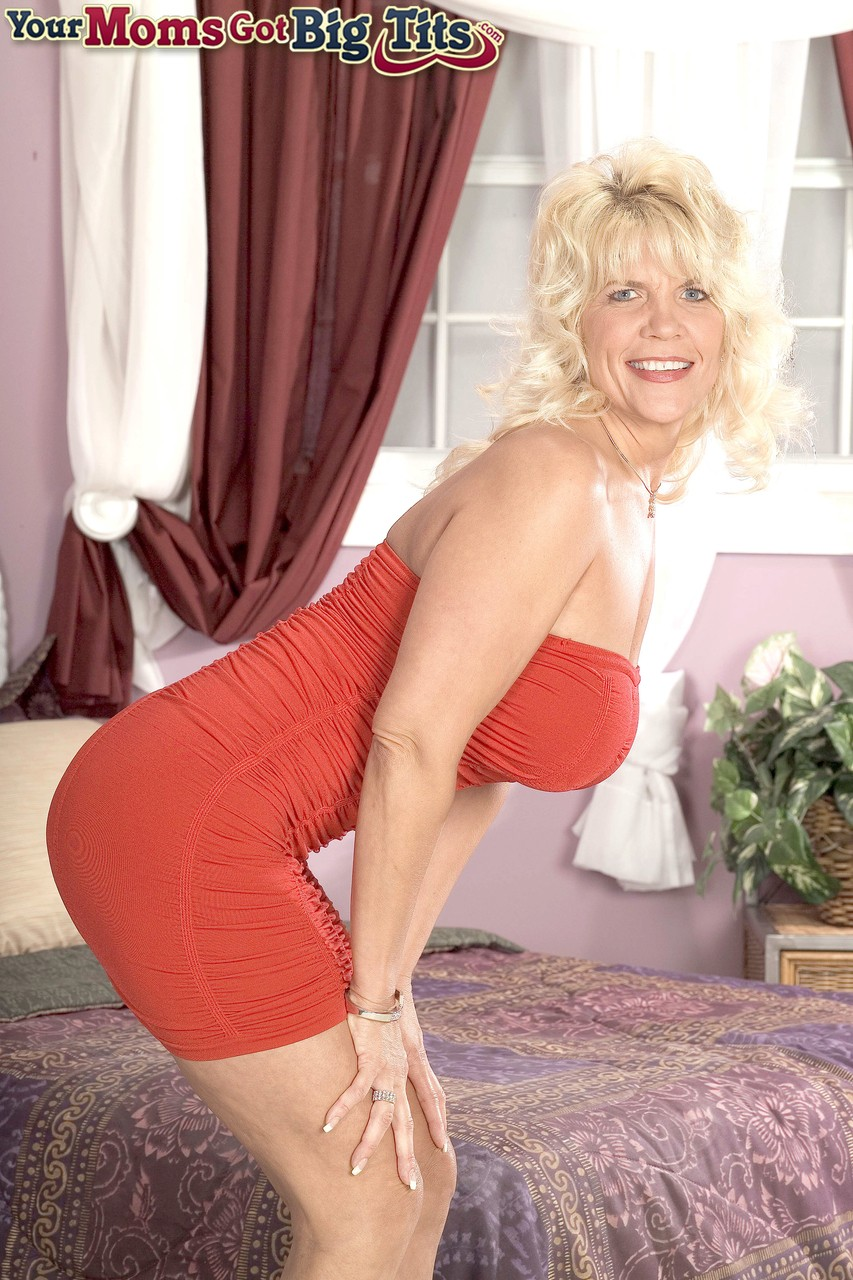 Mature women and grannies. Gallery - 1238. Photo - 1