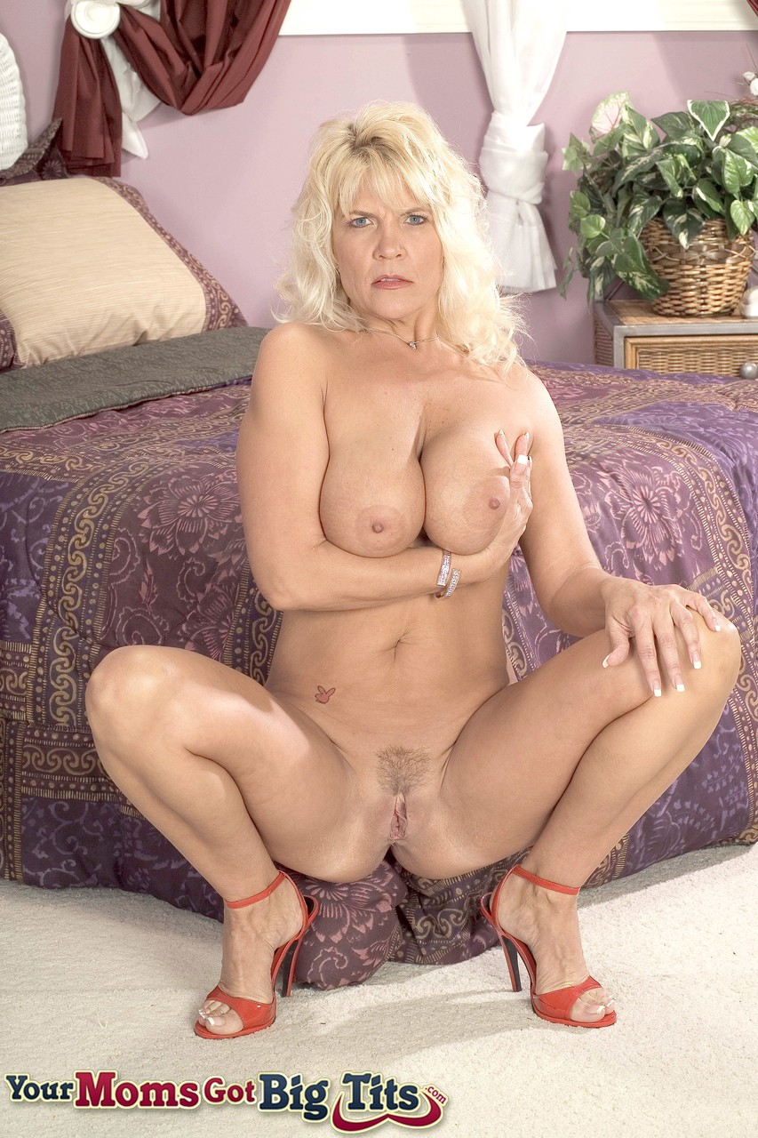 Mature women and grannies. Gallery - 1238. Photo - 8