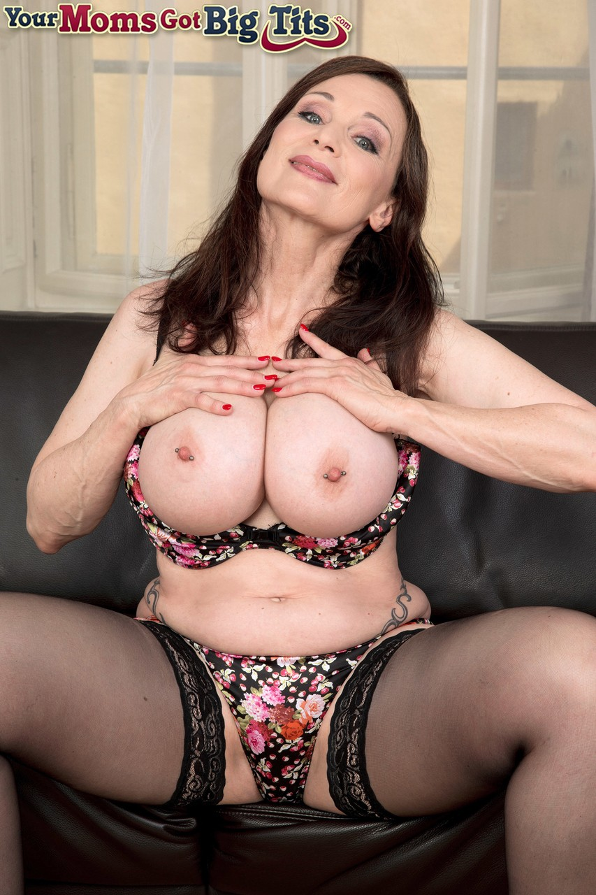 Mature women and grannies. Gallery - 1243. Photo - 6