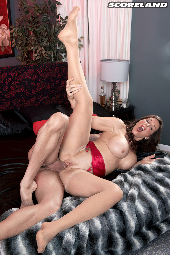 Mature women and grannies. Gallery - 1250. Photo - 14