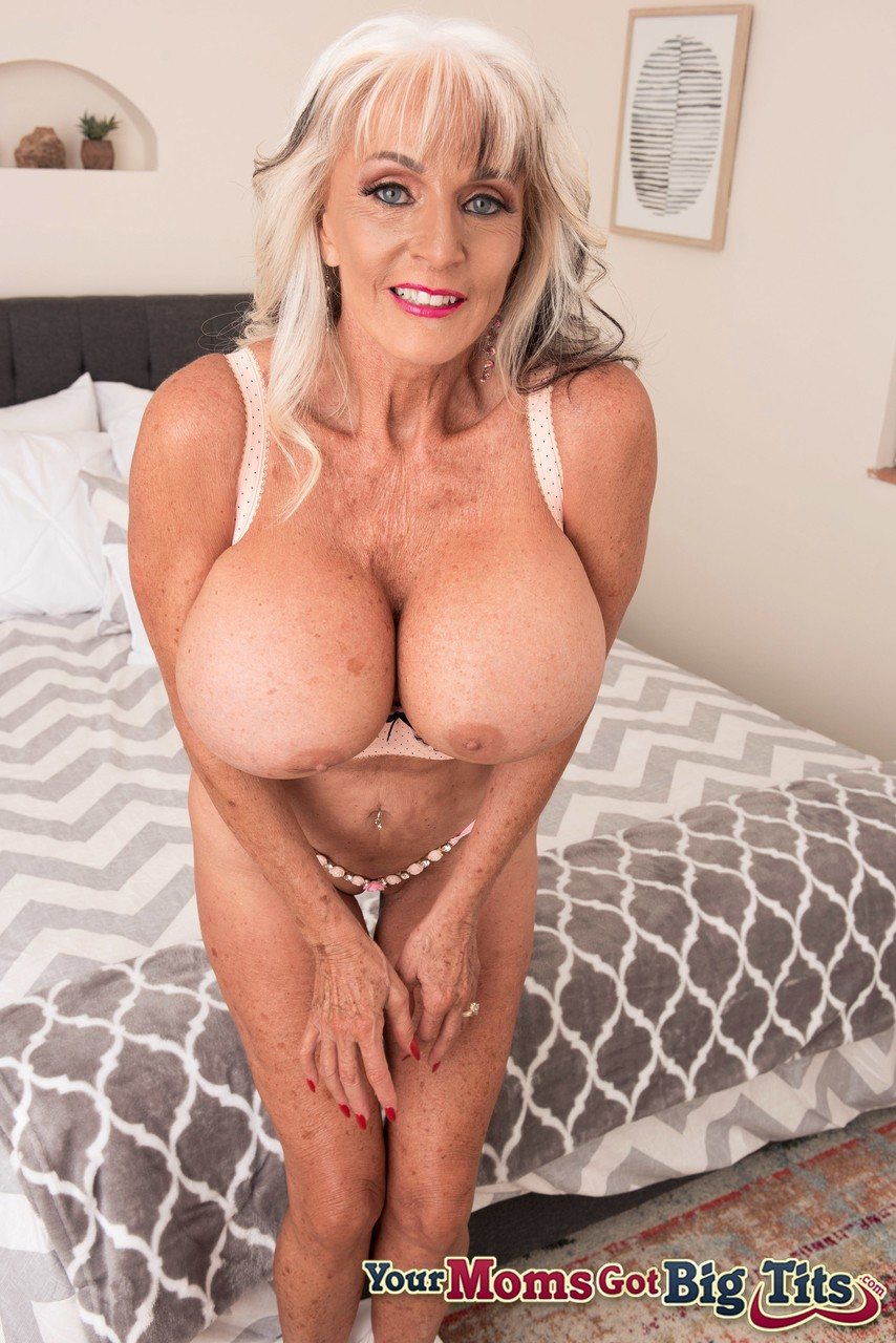 Mature women and grannies. Gallery - 1252. Photo - 6