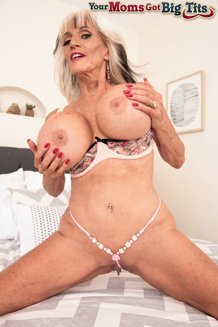 Mature women and grannies. Gallery - 1252. Photo - 8
